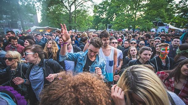 berlin-festival-crowd