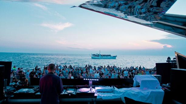 Lighthouse Festival by Claudio Farkasch