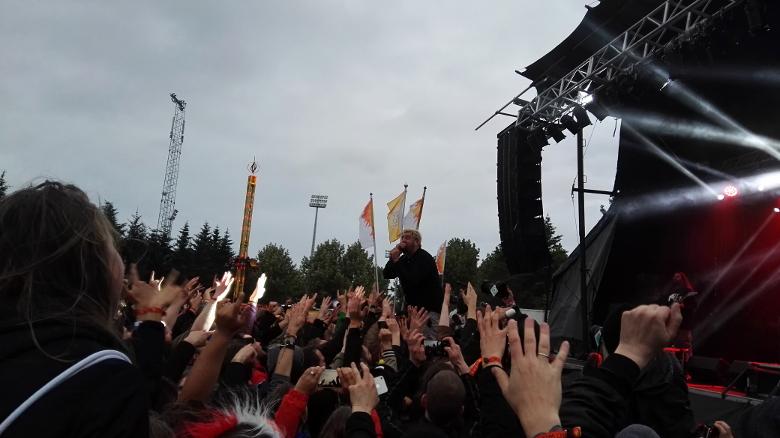 Alle Hände hoch: Deftones-Frontmann Chino Moreno