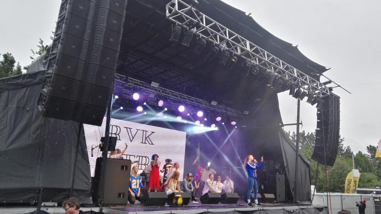 Mittelfinger hoch: Reykjavíkurdætur