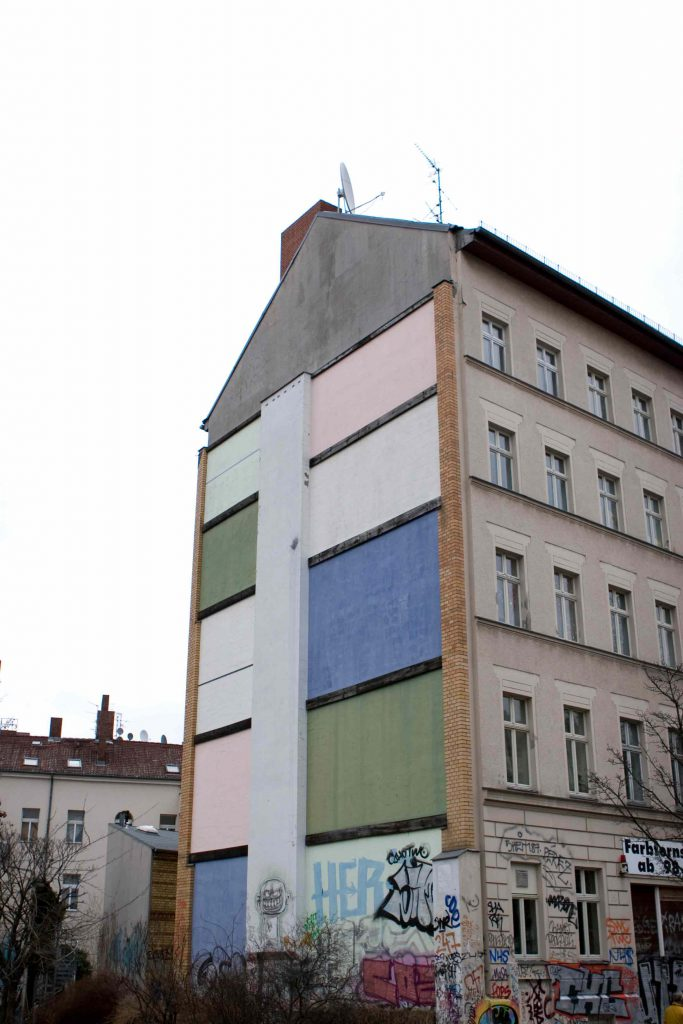Farbfernseher in Berlin-Kreuzberg.