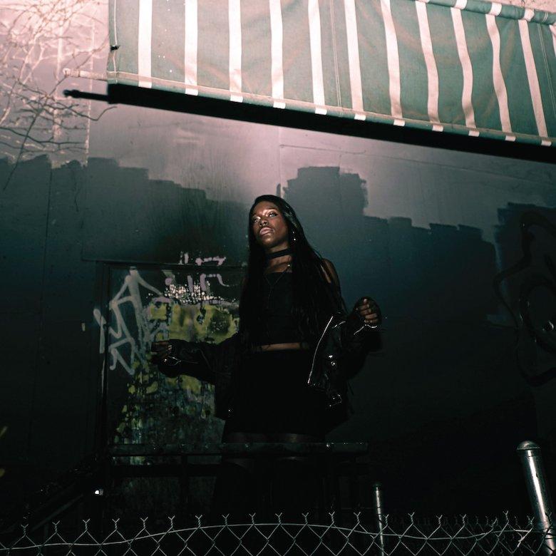 Jasmine Infiniti – BXTCH SLÄP (Dark Entries)