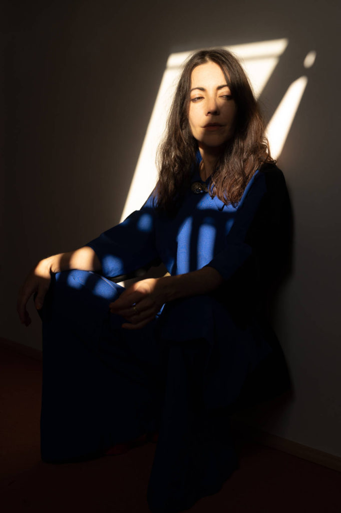 Lucrecia Dalt - No era sólida - Web 025 - Credit - Camille Blake